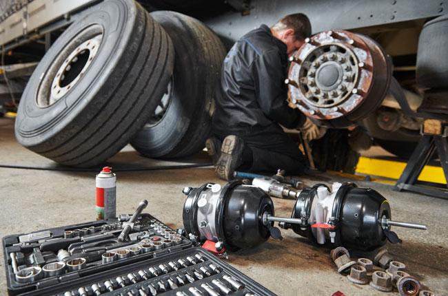 Trailer Repair Mechanic